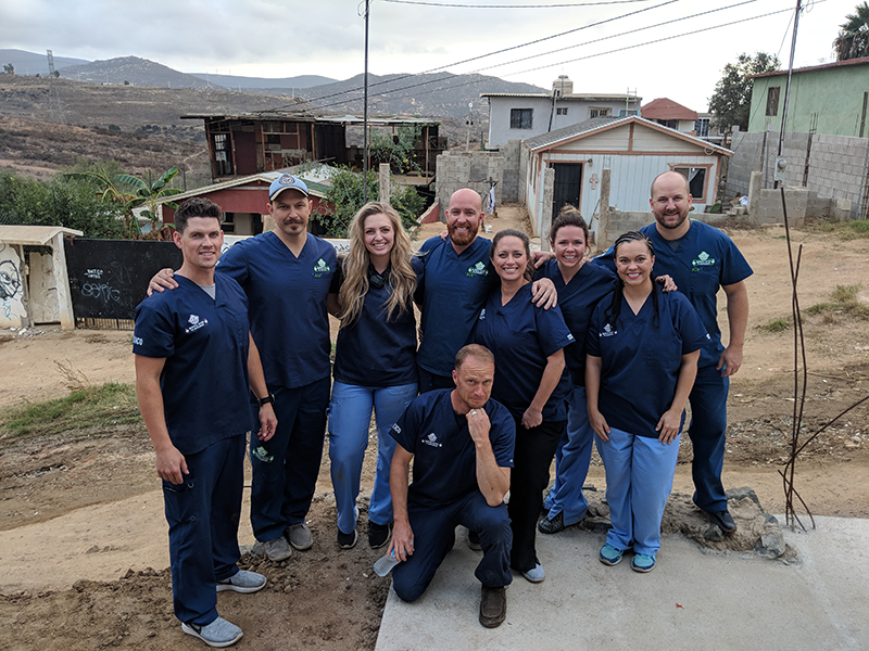 group photo of dentist and other volunteers